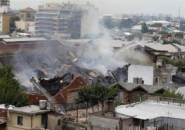 incendio y derrumbe Barracas Buenos Aires