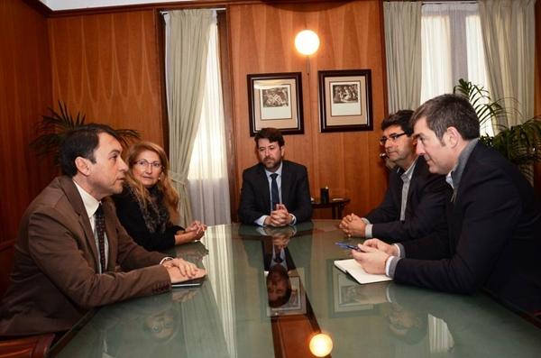 Los alcaldes, el presidente del Cabildo y la consejera de Medio Ambiente, en la reunión pasada. | DA