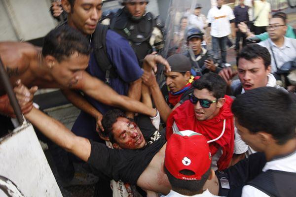 Protestas en Caracas. / REUTERS