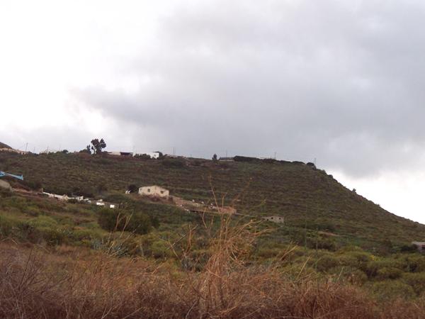Parte de la zona de El Tablero se verá recalificada a rústica tras el acuerdo alcanzado por Urbanismo con los vecinos.   DA