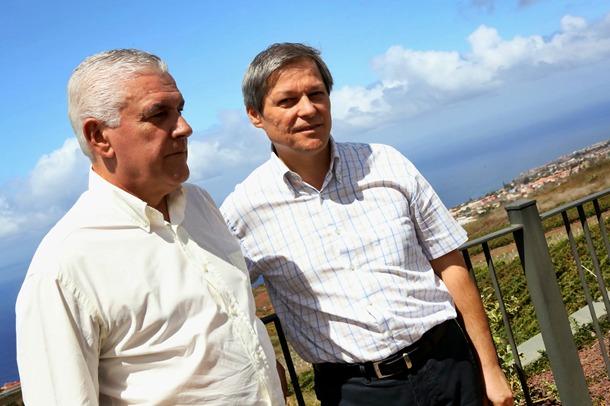 Dacian Ciolos y Juan Ramón Hernández