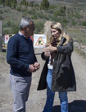alcalde, Damián Pérez, y la consejera Ana Lupe Mora,