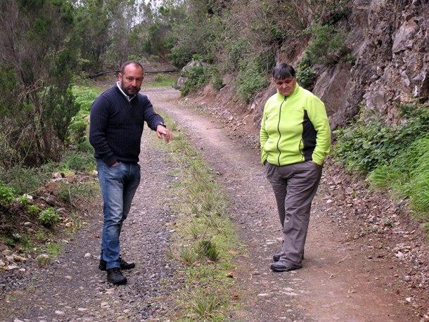 Fernando Ballesteros y Goya Alonso presidenta de La Cumbrecilla de Afur