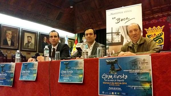 Jesús Corvo, Lope Afonso y Manuel Luis presentaron ayer el evento, que prevé superar las 8.000 visitas. | DA
