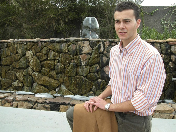 El concejal Héctor Gómez apuesta por ser más competitivos con una planta hotelera de cinco estrellas.   DA