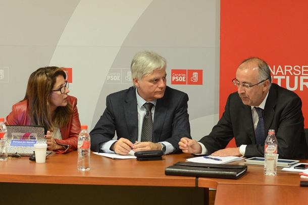 PSOE Lola Padrón, José Miguel Pérez y Francisco Hernández Spínola