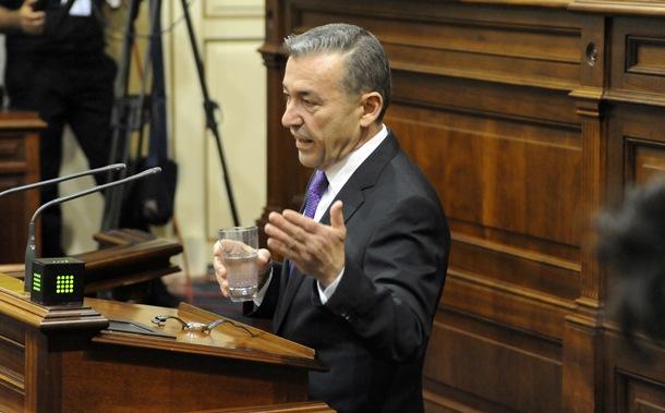 El presidente del Gobierno de Canarias, Paulino Rivero,