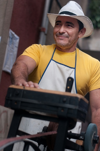Santiago Santos afilador de cuchillos