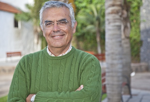 Sixto Alfonso contesta a los vecinos que le han pedido la dimisión. | DA