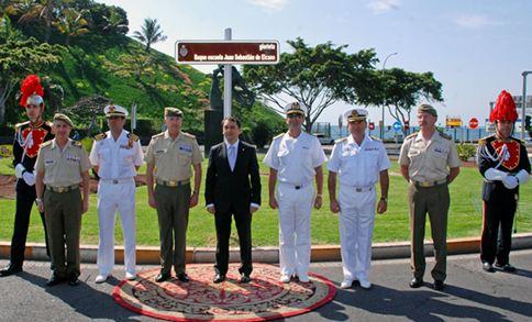 El alcalde, José Manuel Bermúdez, descubrió la plaza conmemorativa