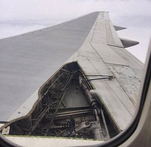 avion pierde panel ala en vuelo NBC News