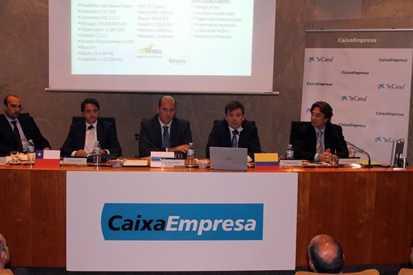 La jornada se celebró ayer en la sede de La Caixa en Tenerife. / DA