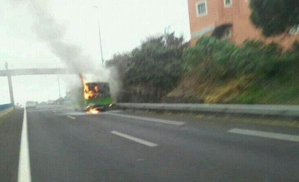 incendio guaguincendio guagua Titsa Tacorontea Titsa Tacoronte