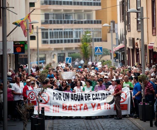 Manifestacion contra restricciones de aagua Aqualia
