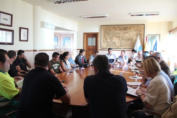 mesa negociación trabajadores Candelaria Ayuntamiento