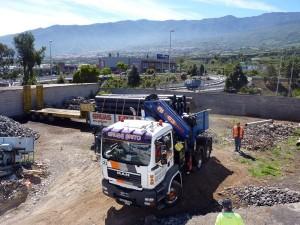 La caída de la cubierta en el depósito que Aqualia tiene en La Vera se produjo a finales de abril de 2012. / DA