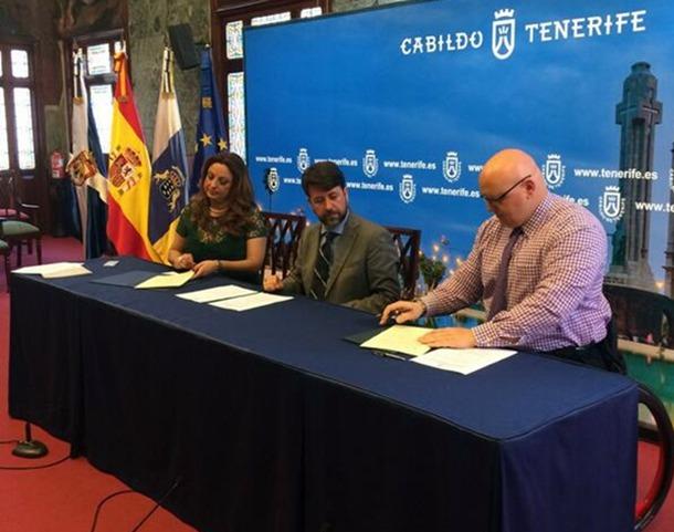 Ademi firma convenio Carlos Alonso