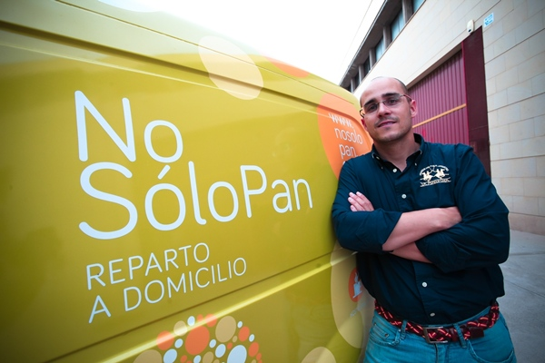 Adrián Tarjuelo, tras quedarse en paro hace un año, acudió al servicio de asesoramiento del Cabildo tinerfeño para poner en marcha su propio proyecto empresarial. | DA