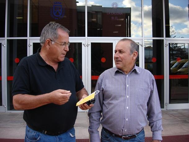 Andres Martinez concejal de deportes de Arico y Benitor Rodriguez presidente de la Federacion Interinsular de Automovilismo FIASCT