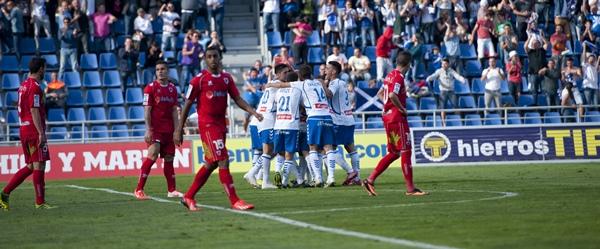 Imágenes de la victoria del CD Tenerife ante el CD Numancia. | FRAN PALLERO