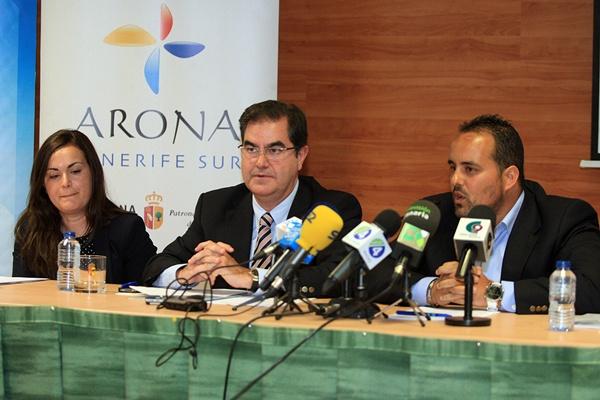 Santos, Niño y Afonso presentaron ayer el denominado Foro Futurismo. / DA