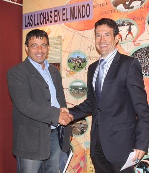 jefe de ventas de Hoteles Elba, Germán Barrientos y el presidente de la Federación de Lucha Canaria, Germán Rodríguez