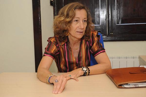 """La redactora del PEC, María Luisa Cerrillos, opina que Puerto de la Cruz es """"una ciudad abandonada"""".   J. GANIVET"""