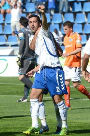 Ricardo festeja el 2-0, anotado de penalti. | SERGIO MÉNDEZ