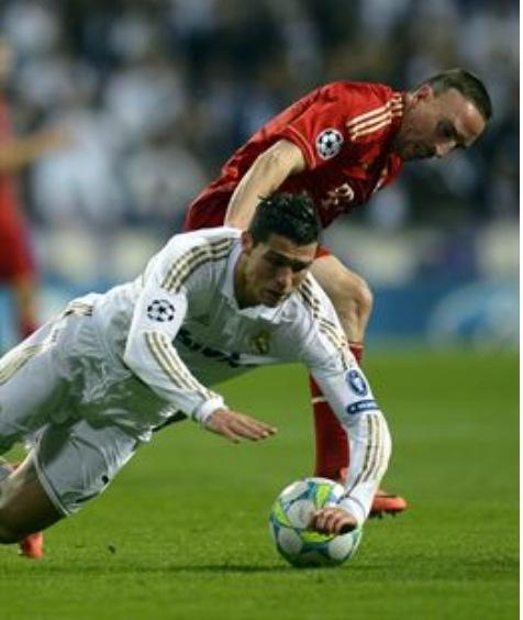 Ronaldo y Ribery en el partido de la Liga de Campeones de 2013. | EP