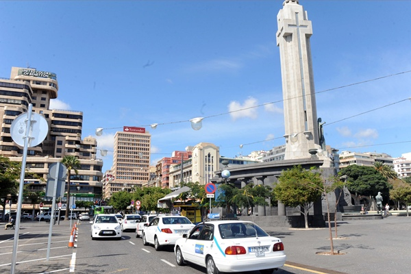 Los profesionales del taxi podrán votar hoy de ocho de la mañana a ocho de la tarde. | J. G.