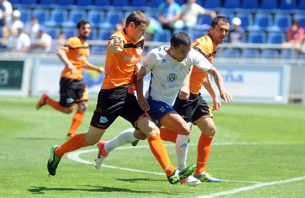 Los vascos lograron ser campeones de Segunda B tras derrotar al CD Tenerife en la eliminatoria final. / S. MÉNDEZ