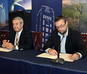 Aurelio Abreu y Miguel Ángel Pérez, en una rueda de prensa. / DA