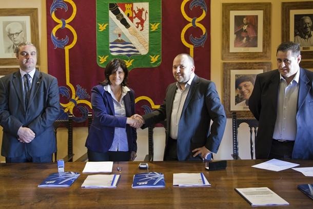 firma acuerdo Guimar