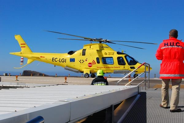 La helisuperficie cuenta con protocolos estandarizados en coordinación con el 112 de Canarias. | DA