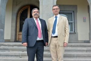 Pedro Rodríguez Zaragoza (i), junto a Joachim Coens, su homólogo en el puerto belga. / DA