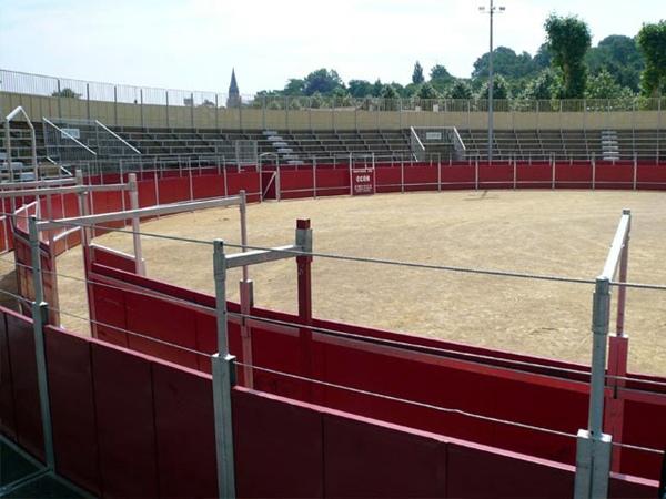 Numerosas empresas instalan plazas de toros desmontables. / DA