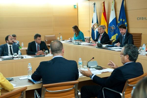 El pleno dio el visto bueno a la moción por unanimidad. | F.  PALLERO