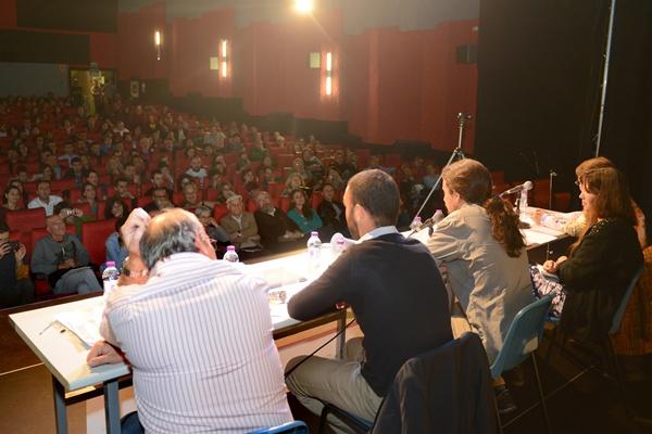 Unas 300 personas participaron en la presentación. / DA