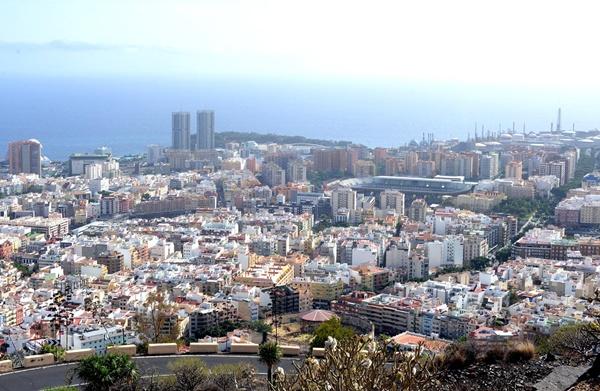 Vista general de parte de la ciudad tinerfeña. / SERGIO MÉNDEZ