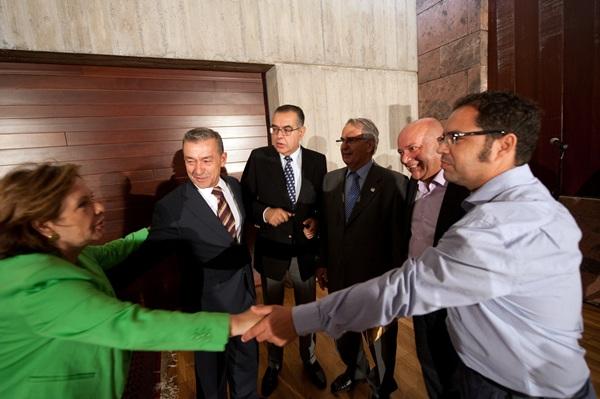 Instantánea correspondiente a un acuerdo entre el Gobierno, empresarios y sindicatos. / FRAN PALLERO