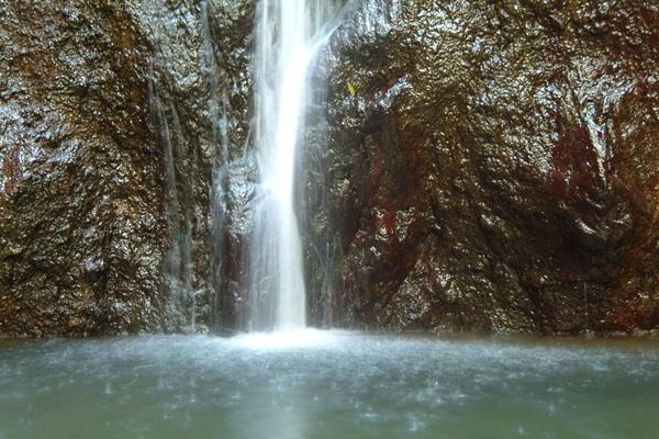 El barranco ha registrado una disminución del canal de agua de los nacientes de Abinque, en el barranco del Infierno. | DA