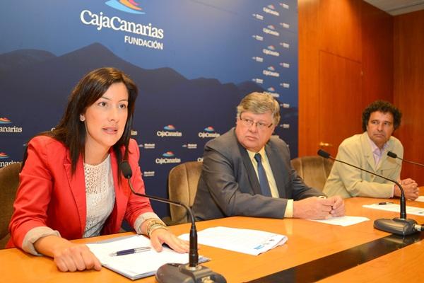 Alicia Álvarez, Alberto Delgado y Francisco Perdomo presentaron ayer el nuevo centro. | SERGIO MÉNDEZ