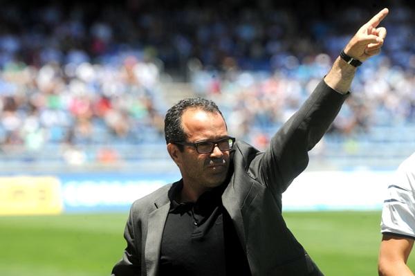 El entrenador blanquiazul durante un partido en el Rodríguez López. | S. M.
