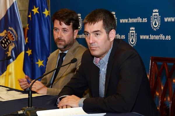 Carlos Alonso y Fernando Clavijo, ayer en rueda de prensa. / DA