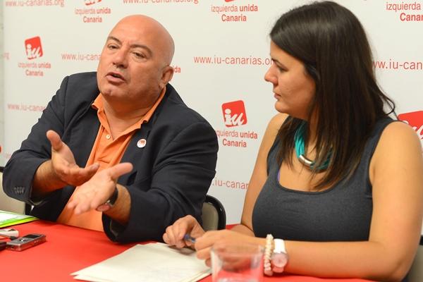 Francesc Peris y Elvira Hernández, ayer, en rueda de prensa. | DA