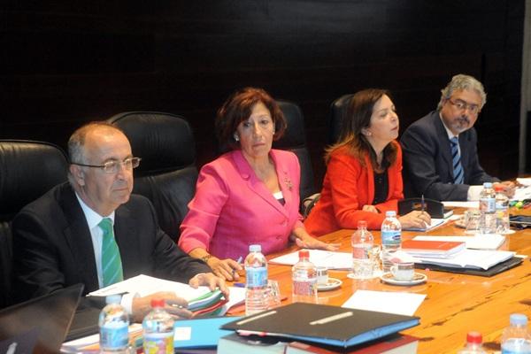 El consejero de Presidencia, Francisco Hernández Spínola, en la reunión del Gobierno de ayer. / DA