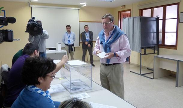Gabriel Mato anima a acudir a las urnas para revalidar la histórica confianza de los canarios en Europa