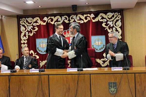El santacrucero Navarro, en el momento de su toma de posesión como uno de los referentes de la Justicia española. / DA
