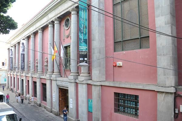 Fachada del Museo Municipal de Bellas Artes, en el centro de la capital tinerfeña. | B. B.