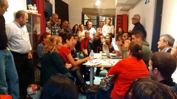 Asamblea anoche de Podemos en La Laguna. / DA